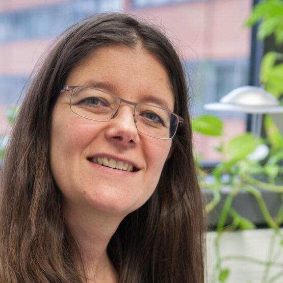 Porträtfoto: Dr. Viviane Bremer.
